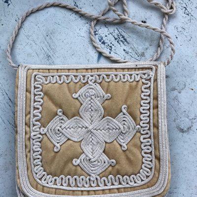 bolso bandolera terciopelo bordado