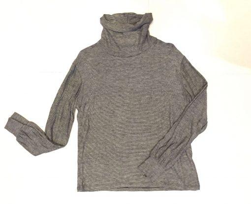 Camiseta de cuello alto con rayas blanco y negro manga larga. Tejido algodón